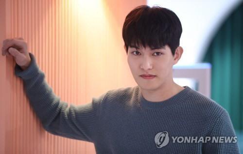"""이종현 여성비하 의혹, FNC """"깊은 사죄""""..탈퇴는?"""